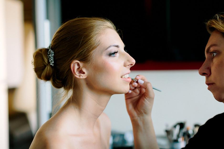 Daniela+Manuel - DM-Hochzeit-Weingut-Hillinger-004.jpg
