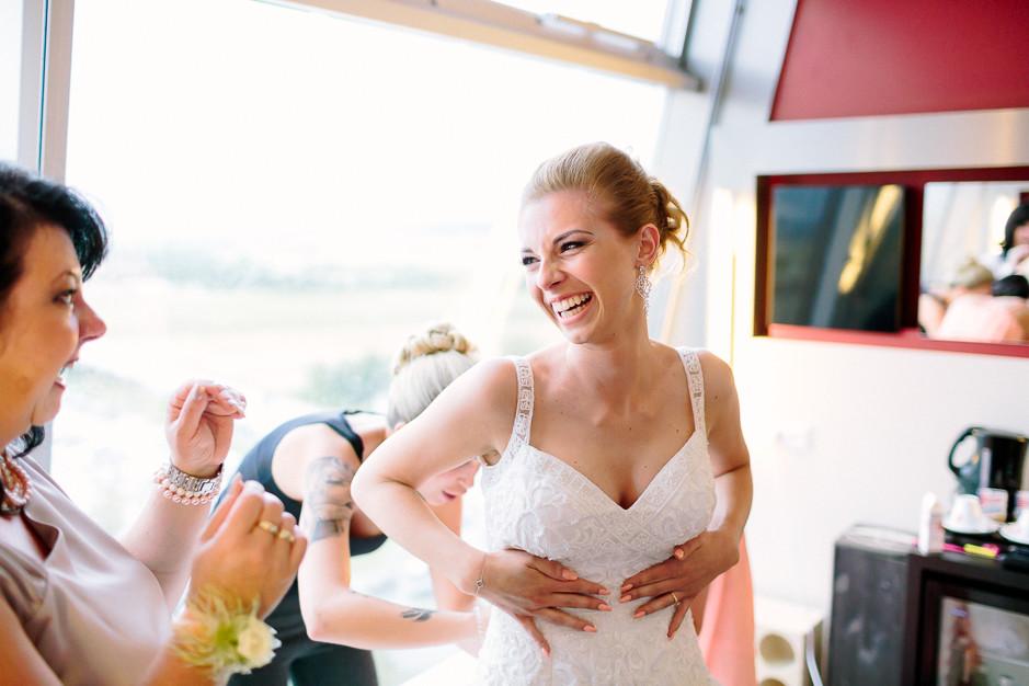 Daniela+Manuel - DM-Hochzeit-Weingut-Hillinger-024.jpg