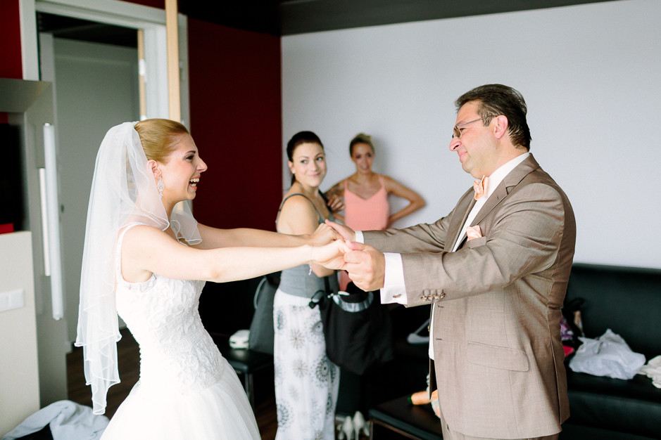 Daniela+Manuel - DM-Hochzeit-Weingut-Hillinger-027.jpg