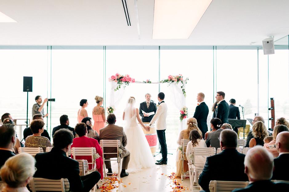 Daniela+Manuel - DM-Hochzeit-Weingut-Hillinger-033.jpg