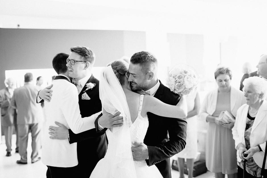 Daniela+Manuel - DM-Hochzeit-Weingut-Hillinger-041.jpg