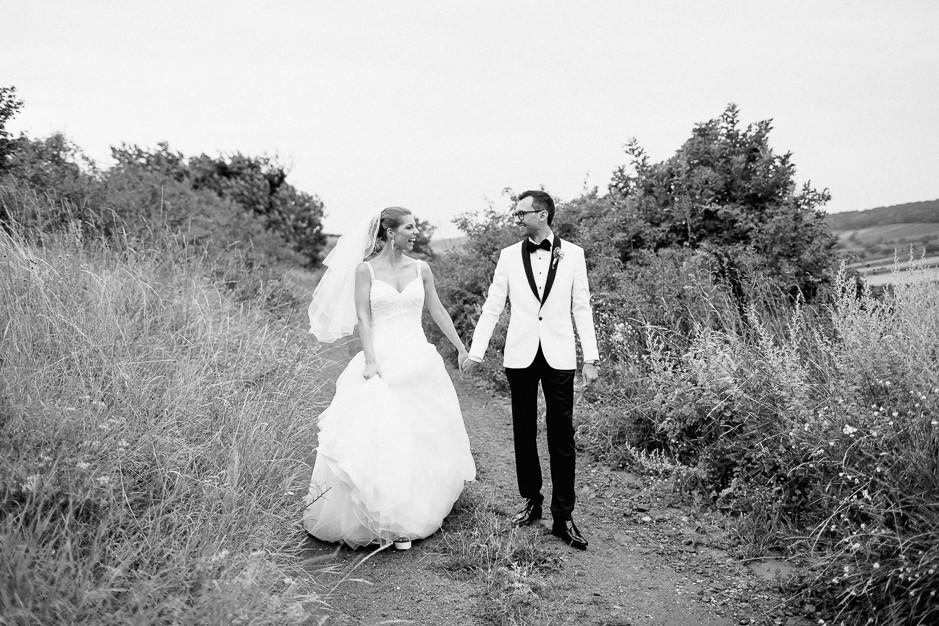 Daniela+Manuel - DM-Hochzeit-Weingut-Hillinger-050.jpg