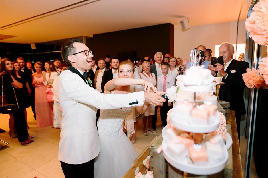 Daniela+Manuel - DM-Hochzeit-Weingut-Hillinger-077.jpg