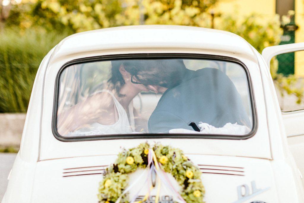 Barbara+Florian - BF-Hochzeit-Moebeldepot-051.jpg