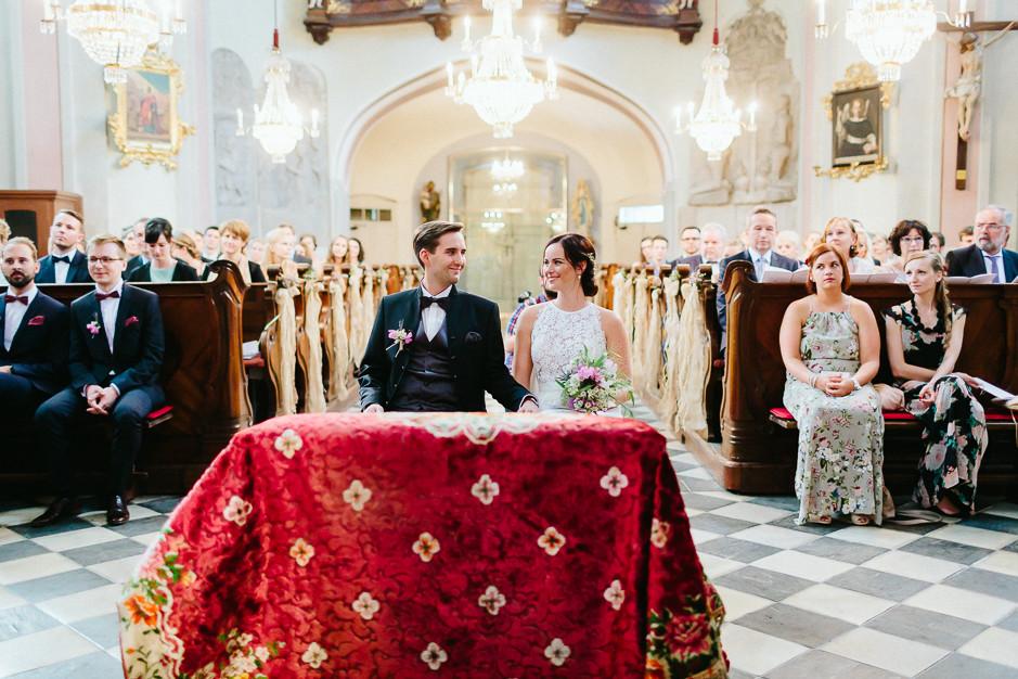 Inga+Michael - IM-Hochzeit-Weingut-Holler-036.jpg