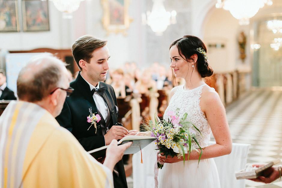 Inga+Michael - IM-Hochzeit-Weingut-Holler-043.jpg
