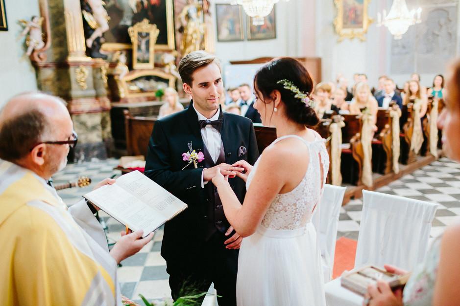 Inga+Michael - IM-Hochzeit-Weingut-Holler-044.jpg