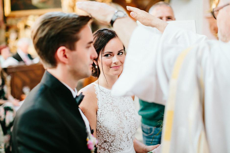Inga+Michael - IM-Hochzeit-Weingut-Holler-045.jpg