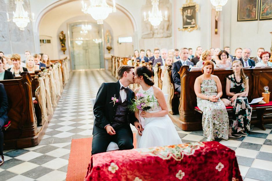 Inga+Michael - IM-Hochzeit-Weingut-Holler-046.jpg