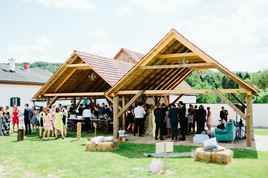 Inga+Michael - IM-Hochzeit-Weingut-Holler-057.jpg
