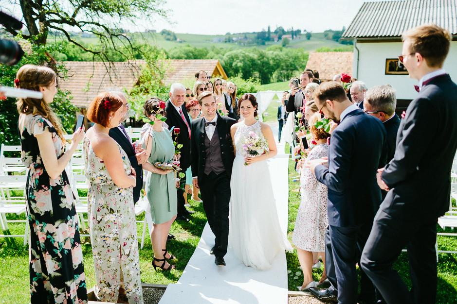 Inga+Michael - IM-Hochzeit-Weingut-Holler-065.jpg