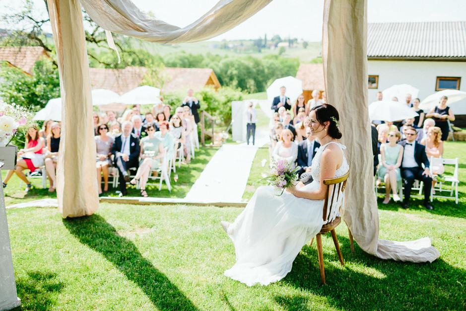 Inga+Michael - IM-Hochzeit-Weingut-Holler-067.jpg