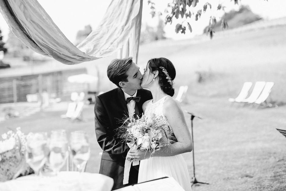Inga+Michael - IM-Hochzeit-Weingut-Holler-069.jpg