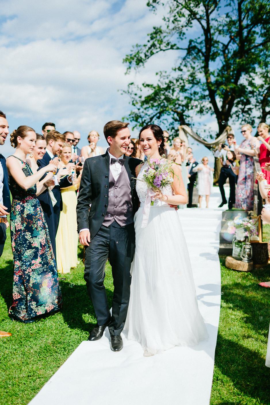 Inga+Michael - IM-Hochzeit-Weingut-Holler-072.jpg
