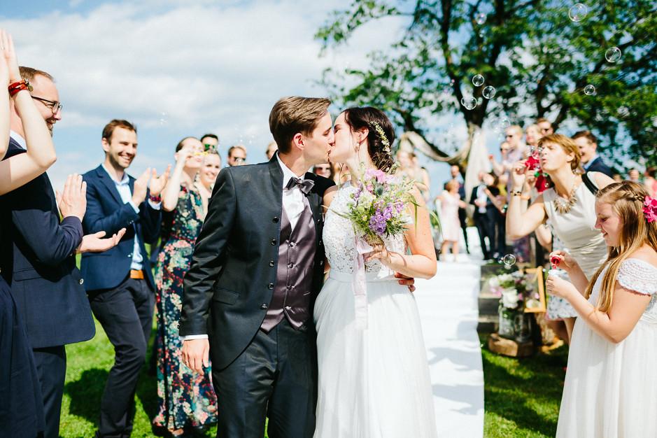 Inga+Michael - IM-Hochzeit-Weingut-Holler-073.jpg