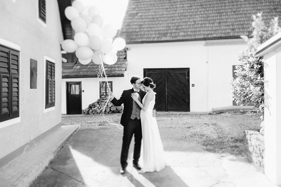 Inga+Michael - IM-Hochzeit-Weingut-Holler-085.jpg