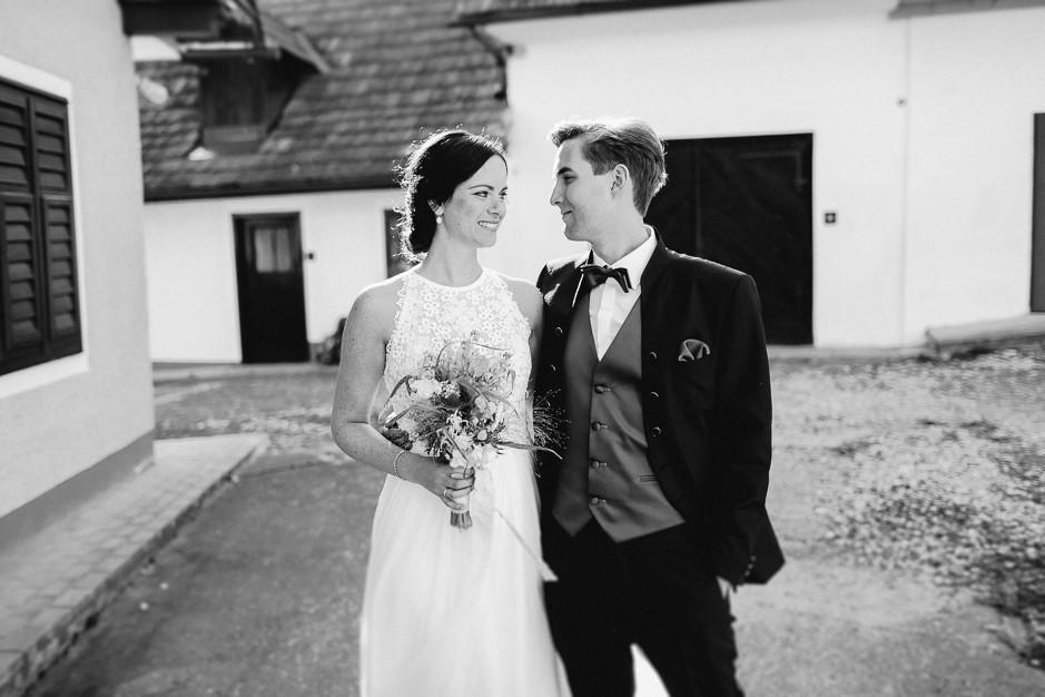 Inga+Michael - IM-Hochzeit-Weingut-Holler-090.jpg