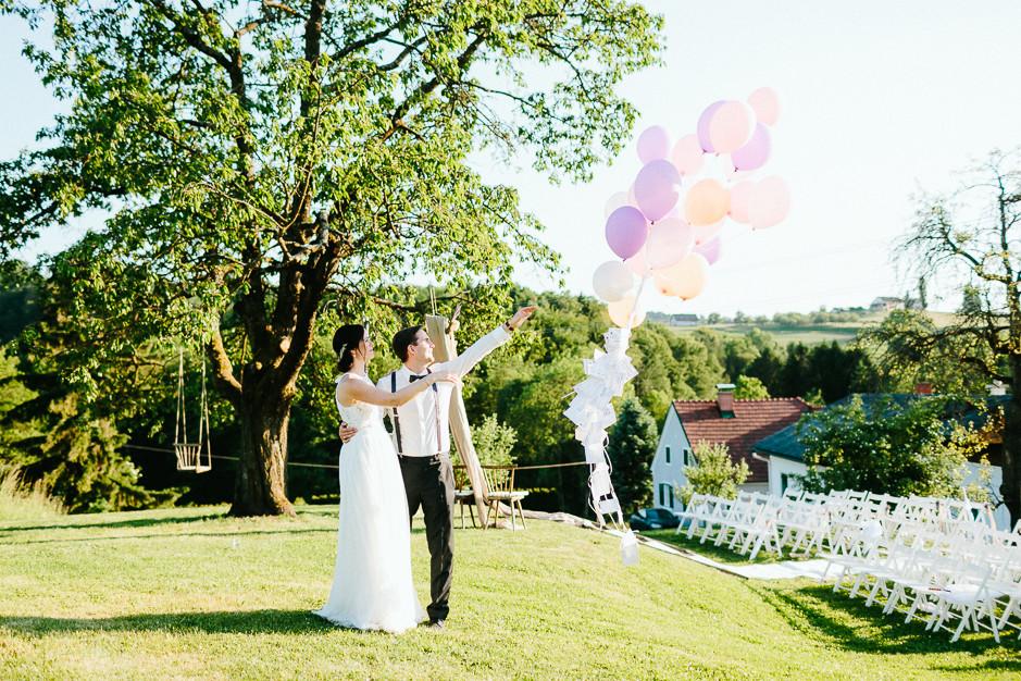 Inga+Michael - IM-Hochzeit-Weingut-Holler-103.jpg