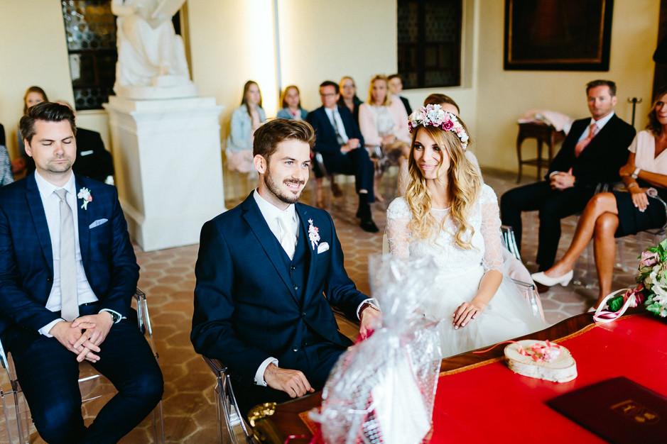 Tamara+Thomas - Hochzeit-Burg-Forchtenstein-024.jpg