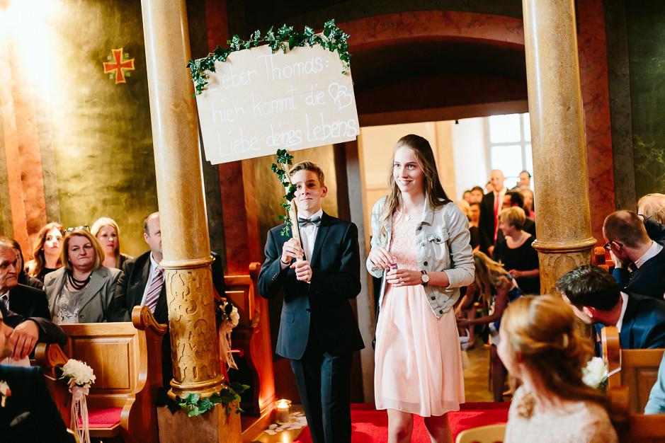 Tamara+Thomas - Hochzeit-Burg-Forchtenstein-038.jpg