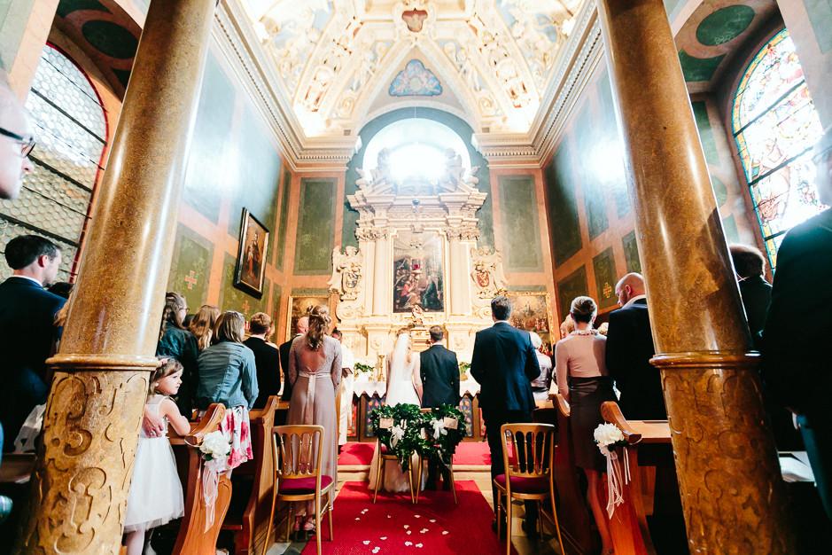 Tamara+Thomas - Hochzeit-Burg-Forchtenstein-042.jpg