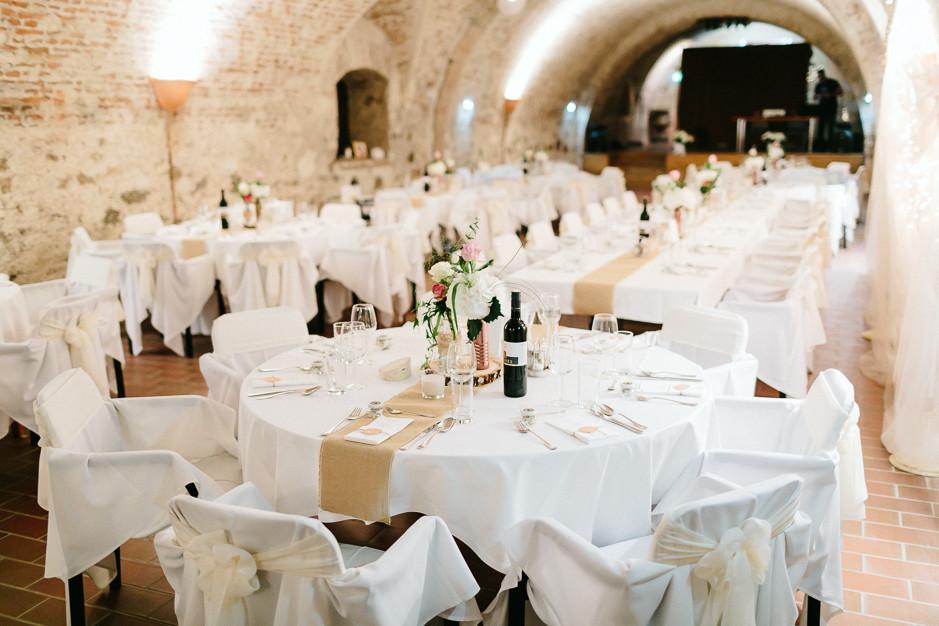 Tamara+Thomas - Hochzeit-Burg-Forchtenstein-072.jpg