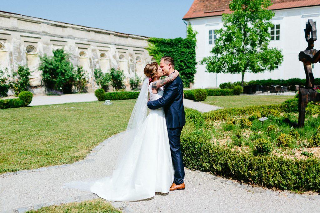 Theresa+Matthias - TM-Hochzeit-Kletzmayrhof-019.jpg