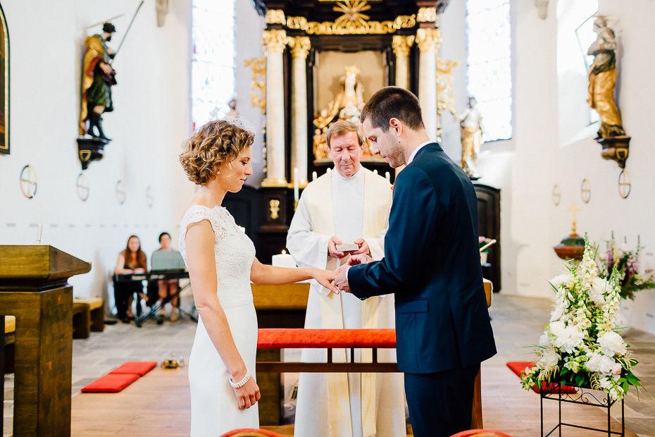 Johanna+Michael - JM-Hochzeit-Stift-Schlierbach-029.jpg