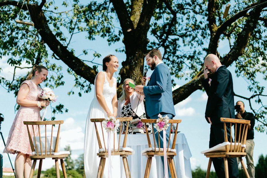Julia+Daniel - JD-Hochzeit-Weingut-Holler-044.jpg