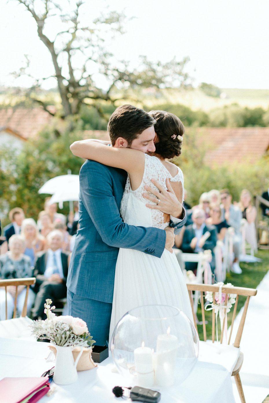 Julia+Daniel - JD-Hochzeit-Weingut-Holler-047.jpg