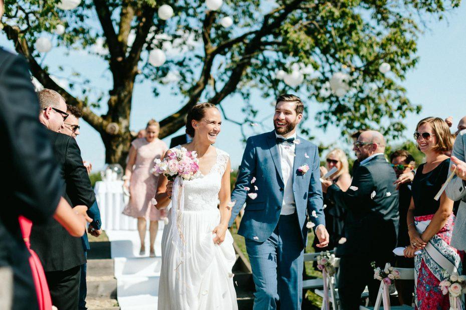 Julia+Daniel - JD-Hochzeit-Weingut-Holler-050.jpg