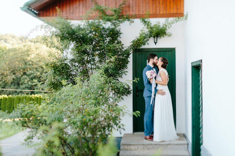 Julia+Daniel - JD-Hochzeit-Weingut-Holler-060.jpg