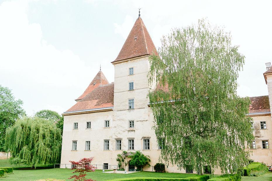 Michaela+Patrick - MP-Hochzeit-Schloss-Walpersdorf-016.jpg
