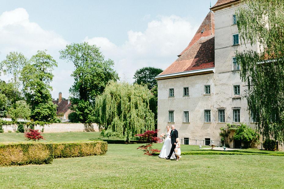 Michaela+Patrick - MP-Hochzeit-Schloss-Walpersdorf-018.jpg