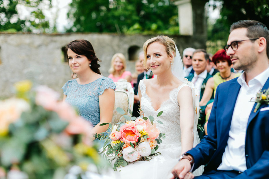 Michaela+Patrick - MP-Hochzeit-Schloss-Walpersdorf-025.jpg