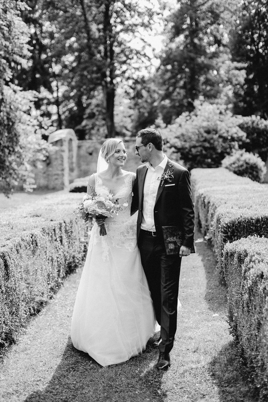 Michaela+Patrick - MP-Hochzeit-Schloss-Walpersdorf-027.jpg