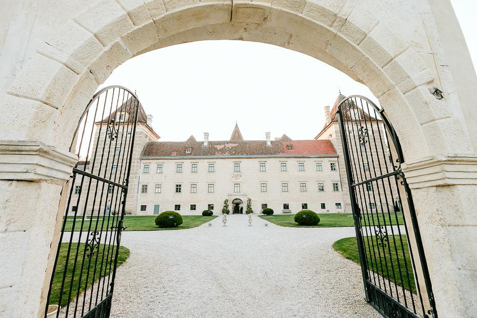 Michaela+Patrick - MP-Hochzeit-Schloss-Walpersdorf-071.jpg