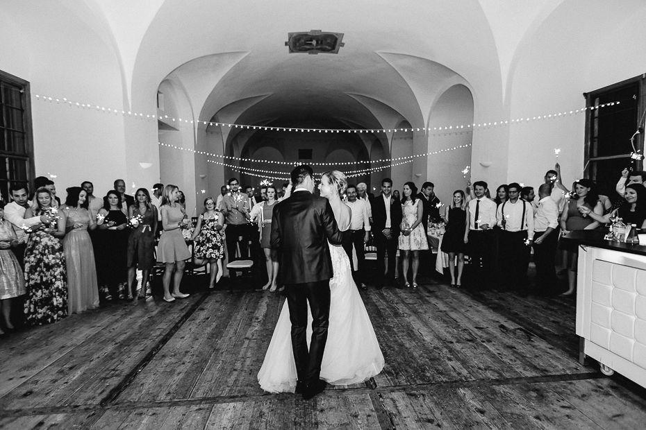 Michaela+Patrick - MP-Hochzeit-Schloss-Walpersdorf-077.jpg