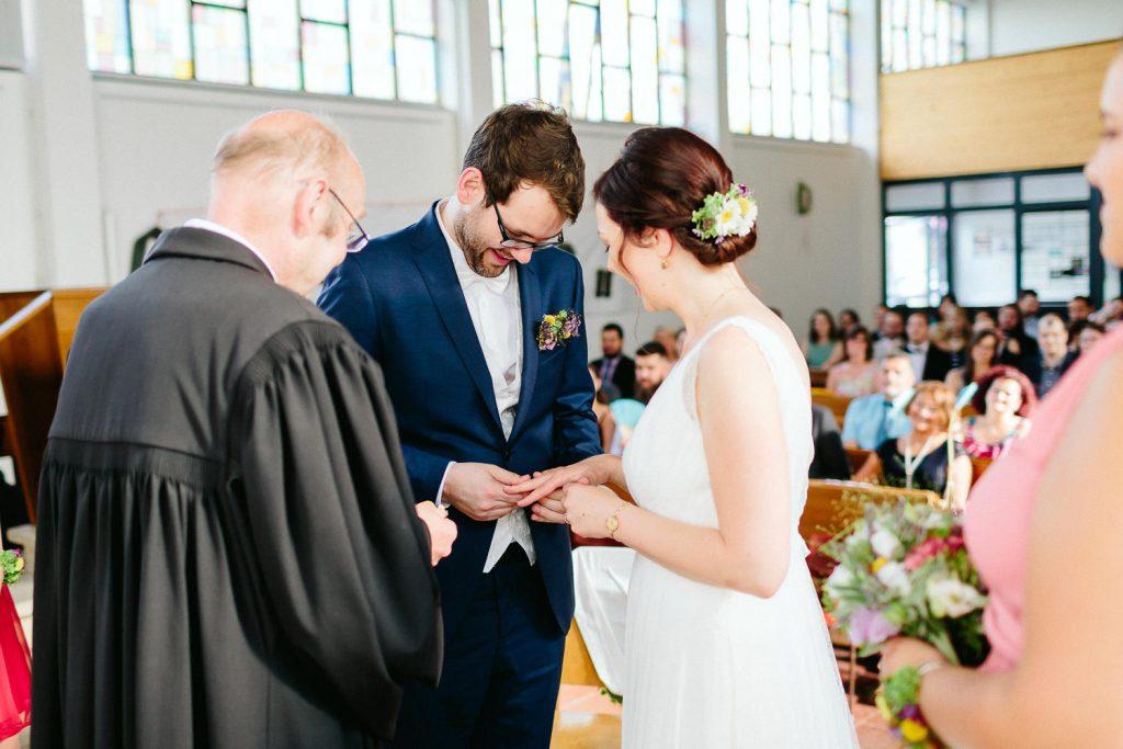Barbara+Florian - BF-Hochzeit-Moebeldepot-020.jpg