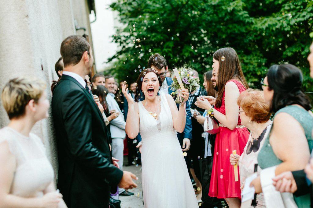 Barbara+Florian - BF-Hochzeit-Moebeldepot-025.jpg