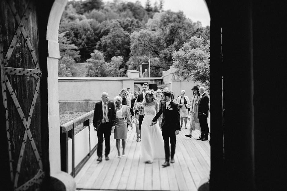 Tamara+Thomas - Hochzeit-Burg-Forchtenstein-021.jpg