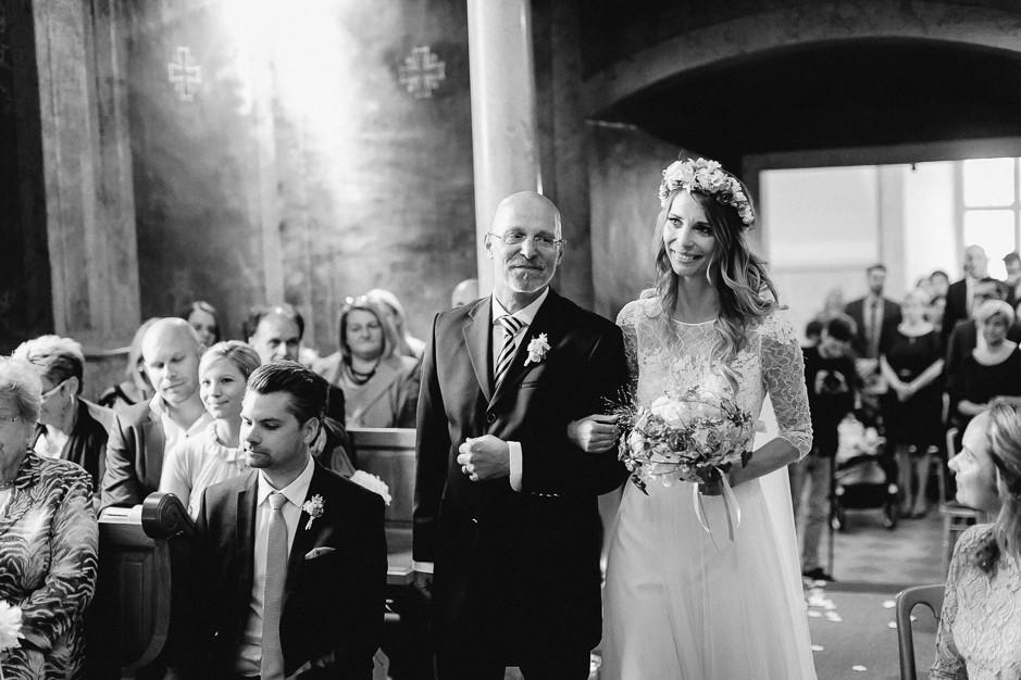 Tamara+Thomas - Hochzeit-Burg-Forchtenstein-040.jpg