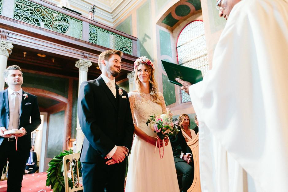 Tamara+Thomas - Hochzeit-Burg-Forchtenstein-043.jpg