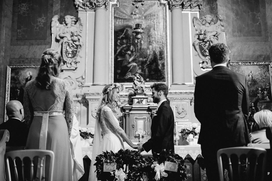 Tamara+Thomas - Hochzeit-Burg-Forchtenstein-046.jpg