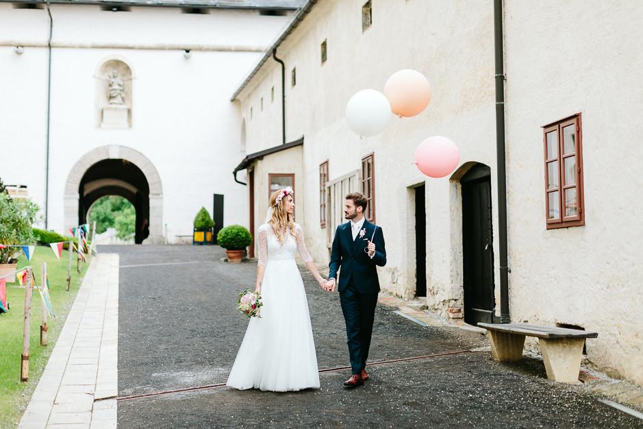 Tamara+Thomas - Hochzeit-Burg-Forchtenstein-053.jpg