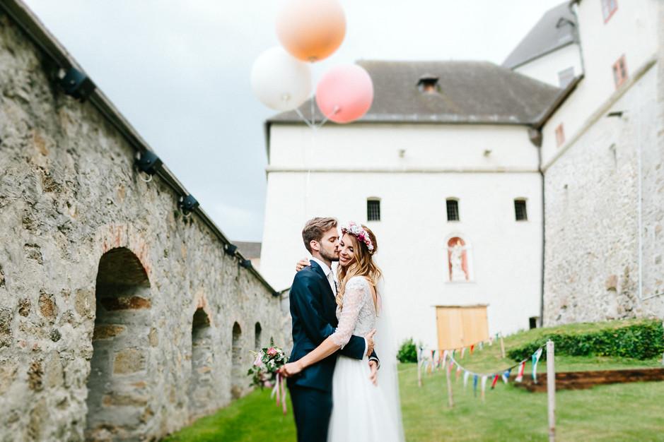 Tamara+Thomas - Hochzeit-Burg-Forchtenstein-056.jpg