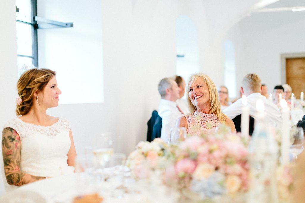 Theresa+Matthias - TM-Hochzeit-Kletzmayrhof-060.jpg