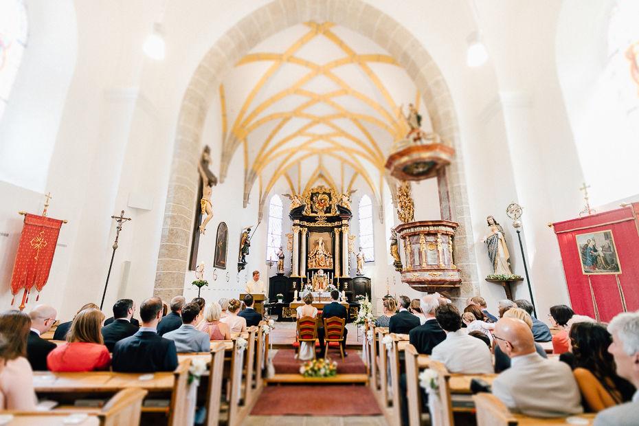 Johanna+Michael - JM-Hochzeit-Stift-Schlierbach-027.jpg