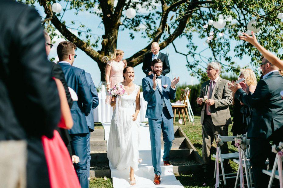 Julia+Daniel - JD-Hochzeit-Weingut-Holler-049.jpg