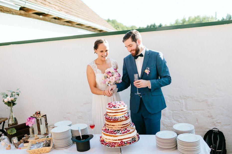 Julia+Daniel - JD-Hochzeit-Weingut-Holler-057.jpg